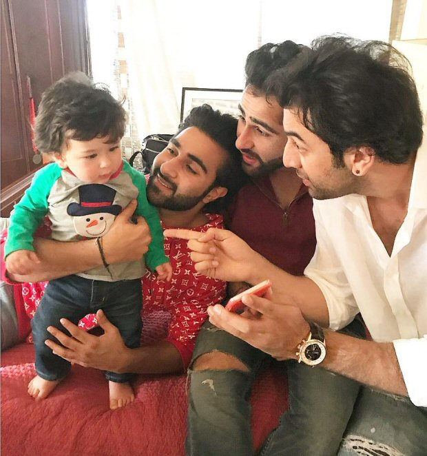 INSIDE PHOTOS Taimur Ali Khan was the star at the Kapoors' annual Christmas Lunch (6)