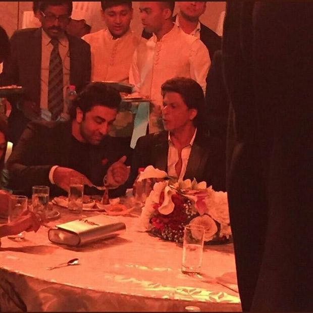 RIL 40 Shah Rukh Khan arwith Ambani kids at the grand celebration