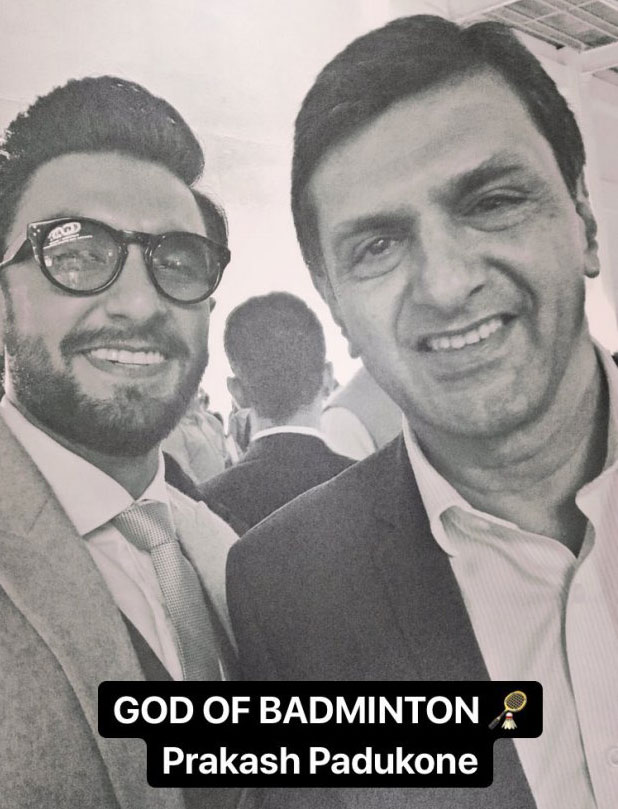 Ranveer Singh strikes a pose with Deepika Padukone's dad Prakash Padukone; meets Abhinav Bindra, Rahul Dravid and others! (2)