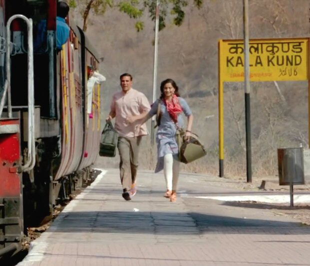 Sonam Kapoor channels elegance and simplicity as Rhea Kapoor in Padman (4)