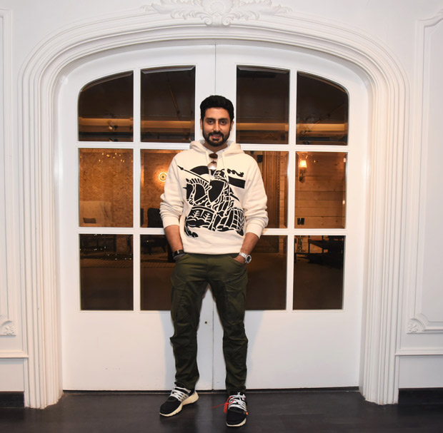 Check out Aiand Abhishek Bachchan ended 2017 by visiting Gauri Khan's design store!