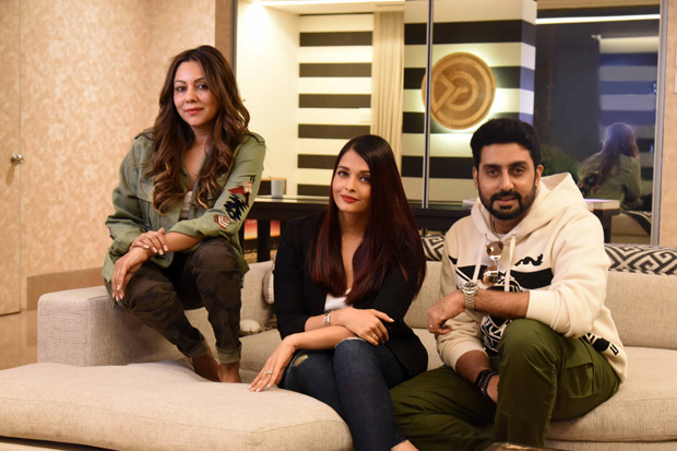 Check out Aishwarya Rai Bachchan and Abhishek Bachchan ended 2017 by visiting Gauri Khan's design store!