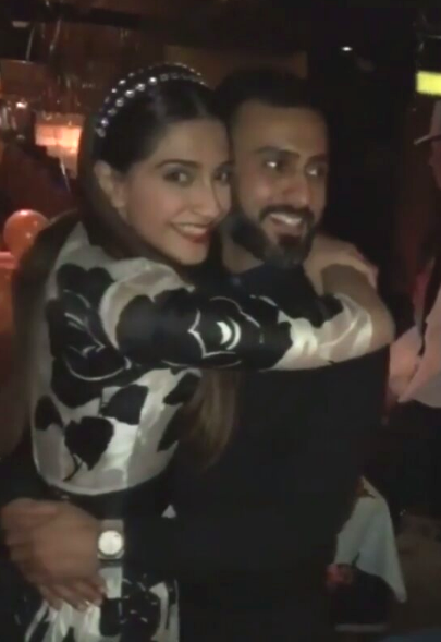 WATCH Sonam Kapoor and Anand Ahuja cuddle and dance while ringing New Year together!
