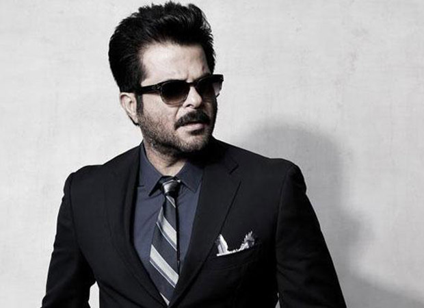 Anil Kapoor takes charge of devastated Boney Kapoor and his daughters