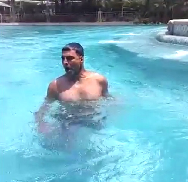 MONDAY MOTIVATION: Akshay Kumar swimming with weights in his hands is really impressive