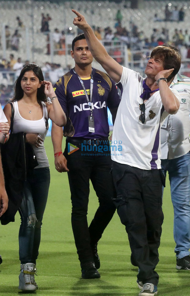 Shah Rukh Khan and Suhana spread the IPL cheer at Eden Gardens, look stunning as always (see HQ pictures)