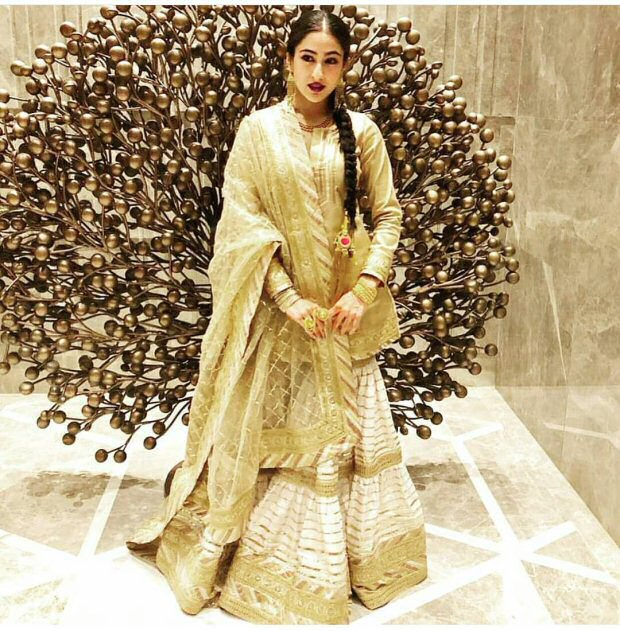 WOW! Sara Ali Khan stuns in traditional avatar; poses with mom Amrita Singh and Dimple Kapadia