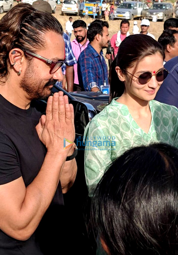 Alia Bhatt and Aamir Khan come together for Paani Foundation [See pics]