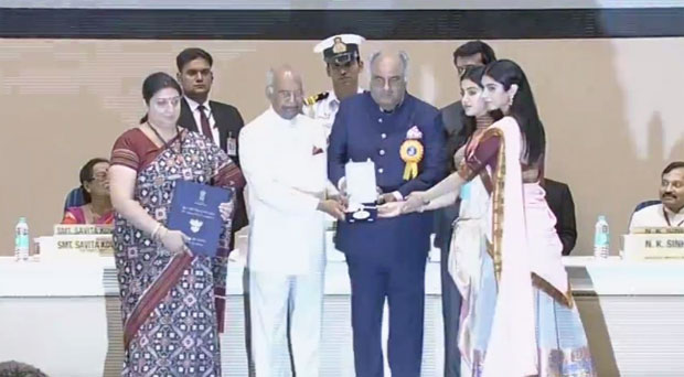 Janhvi Kapoor tries to react on Sridevi winning National Award but gets overwhelmed (watch video)