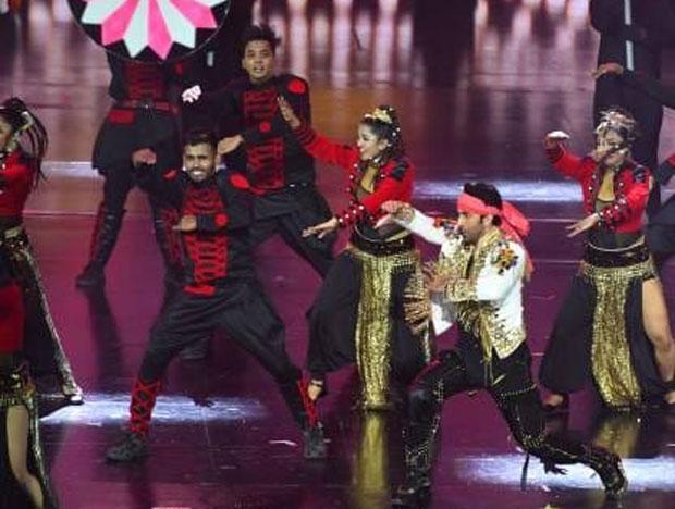 IIFA 2018: Ranbir Kapoor's FIERY performance will make you go ga ga ga!