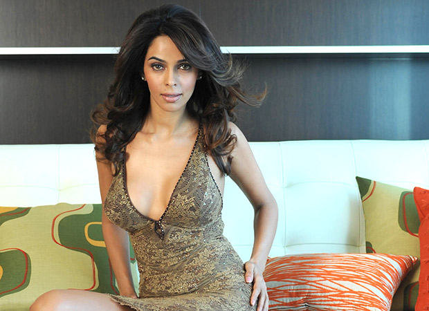 Mallika Sherawat to adapt Julianna Margulies starrer The Good Wife for Indian audiences
