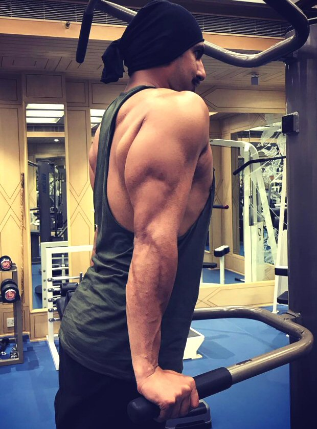 SIMMBA: Ranveer Singh shows off his beefy muscles as he preps in Hyderabad
