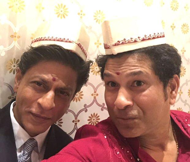 EPIC! Master Blaster Sachin Tendulkar and Badshah Shah Rukh Khan click the selfie of the century