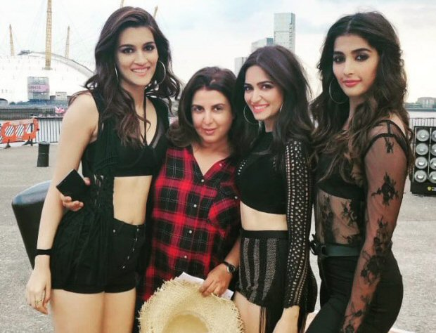 HOUSEFULL 4: Farah Khan shares pictures of Akshay Kumar, Kriti Sanon and Riteish Deshmukh from London