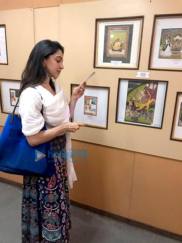 Lust Stories actress Kiara Advani goes street shopping in Hyderabad