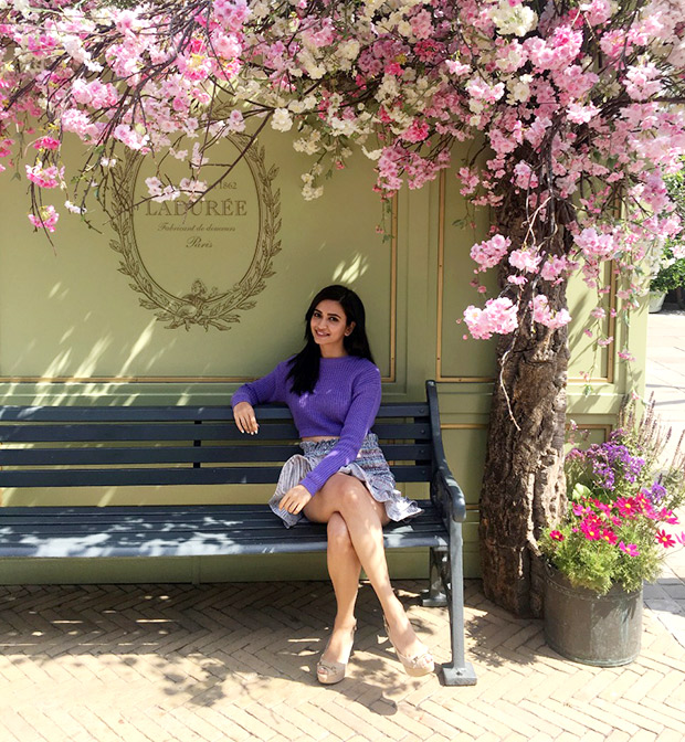 Kriti Kharbanda takes a break from Housefull 4 shooting to explore London's popular Bicester Village!