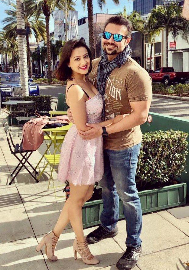 Newlyweds Mahaakshay Chakraborthy - Madalsa Sharma honeymooning together shows all is well between them finally!!