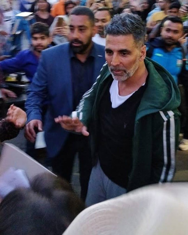 ON THE SETS: Akshay Kumar sports a salt and pepper look on Housefull 4 sets in London