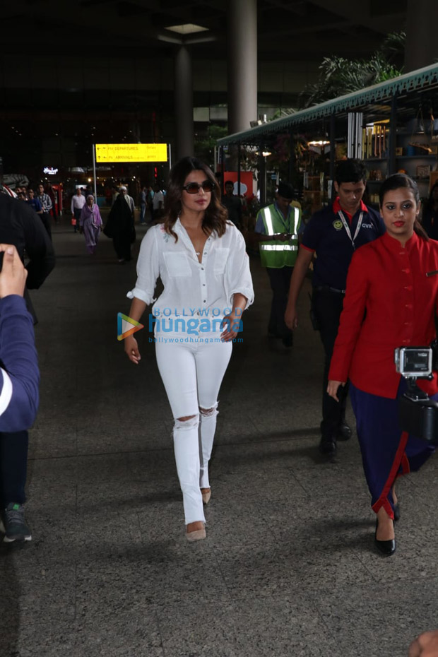 Priyanka Chopra ARRIVES in India sans boyfriend Nick Jonas (see pictures)