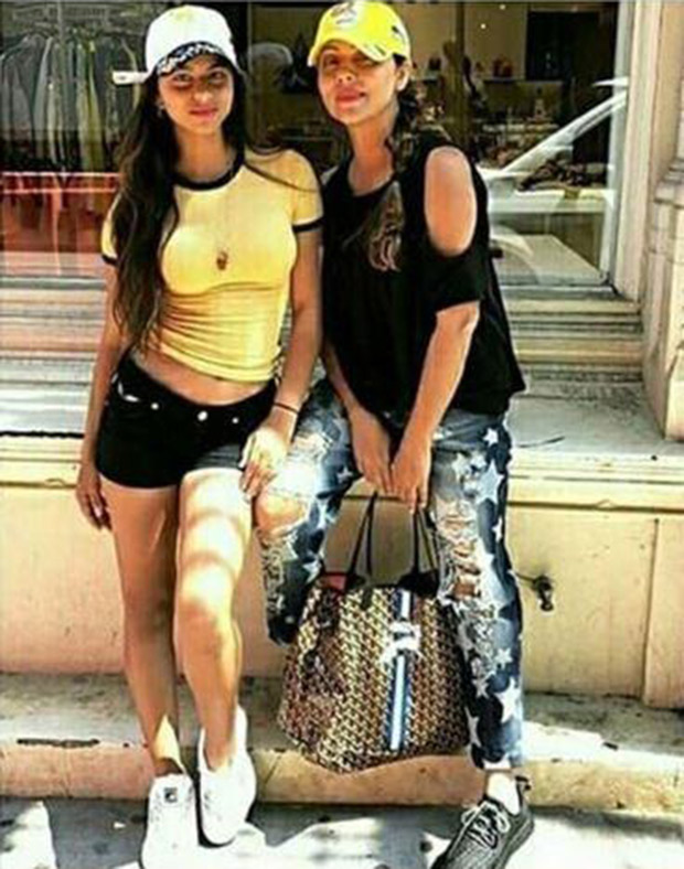 Shah Rukh Khan's daughter Suhana is a splitting image of Gauri Khan (see pic)