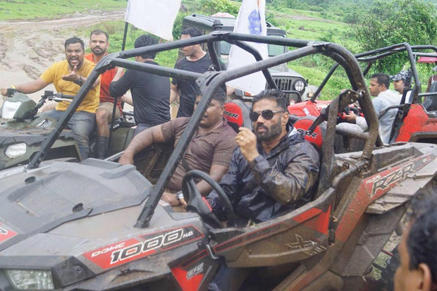 Suniel Shetty gets into action mode as he launches Mudskull Adventure