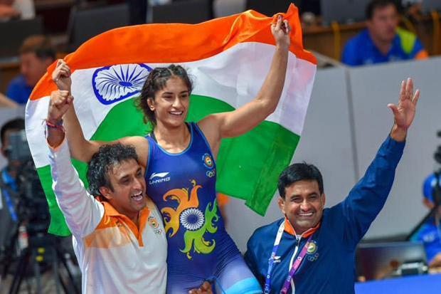 Asian Games 2018: Aamir Khan, Akshay Kumar, Varun Dhawan, Arjun Kapoor and others praise Vinesh Phogat on her gold medal win
