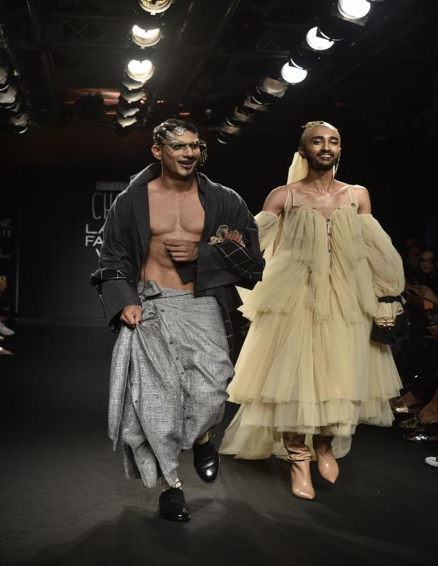Prateik Babbar for Chola at LFW W_F 2018 (1)