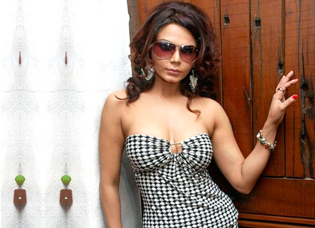"""No one from Bollywood is SUPPORTING Tanushree Dutta, they are just showing sympathy"" says Rakhi Sawant"