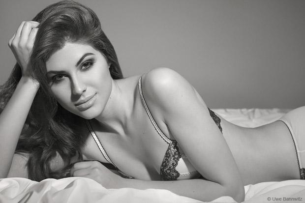 HOT PICS Alert Meet the Sacred Games star, the stunning Elnaaz Norouzi