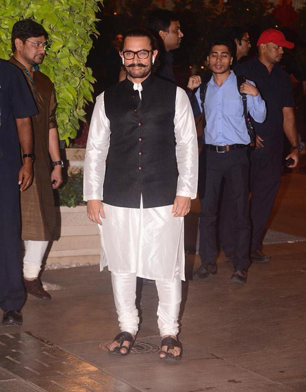 INSIDE PICS - Ganesh Chaturthi at Ambani residence: Shah Rukh Khan, Aamir Khan, Amitabh Bachchan, Rekha make their presence felt