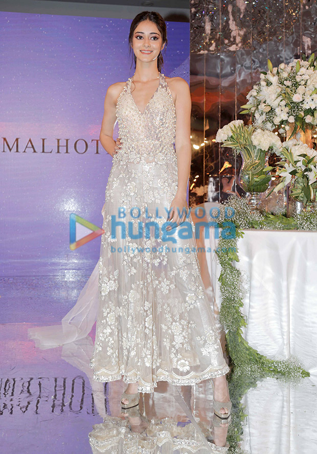 Ananya Panday in Manish Malhotra for the Festive Junction Show (2)