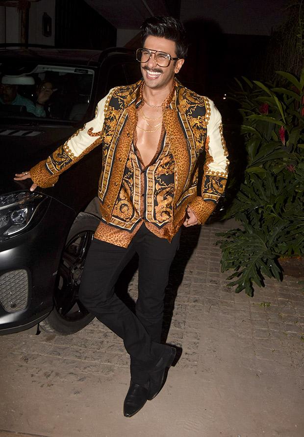 Ranveer Singh in Versace for Koffee With Karan 6 (1)
