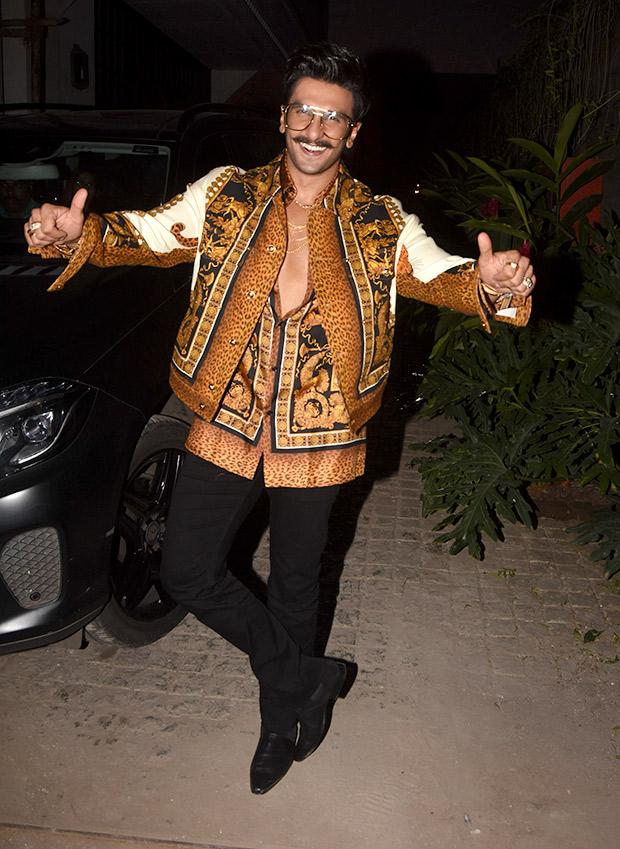 Ranveer Singh in Versace for Koffee With Karan 6 (4)