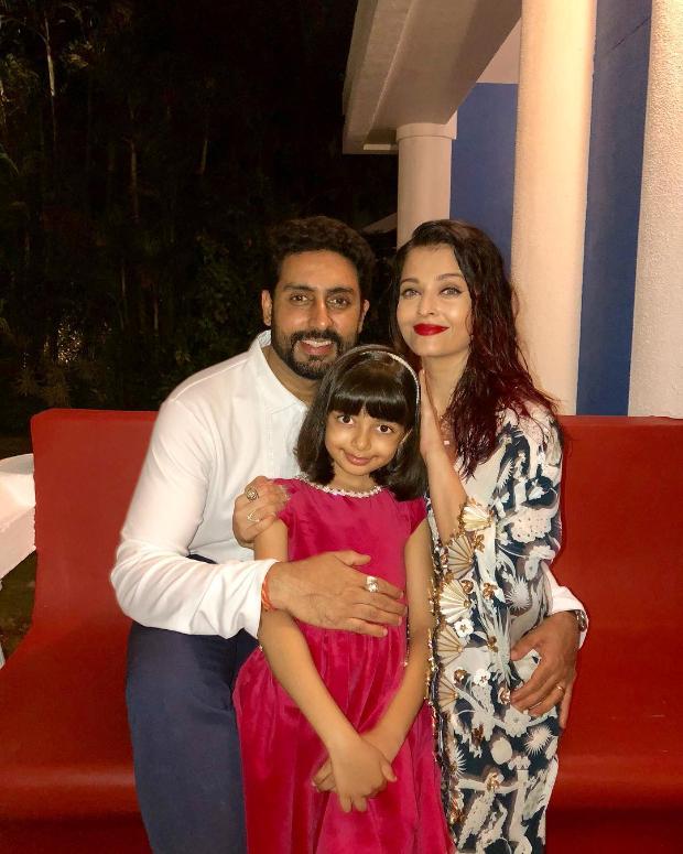 Aishwarya Rai Bachchan in Shivan & Narresh for her birthday dinner (2)