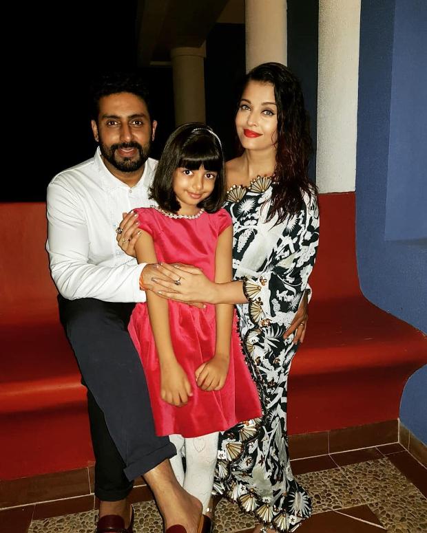 Aishwarya Rai Bachchan in Shivan & Narresh for her birthday dinner (3)