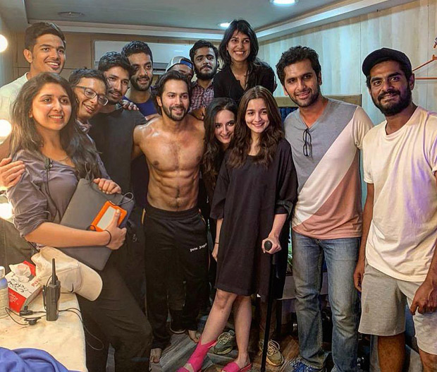 KALANK: Alia Bhatt and Varun Dhawan enjoy schedule wrap up with a pizza party