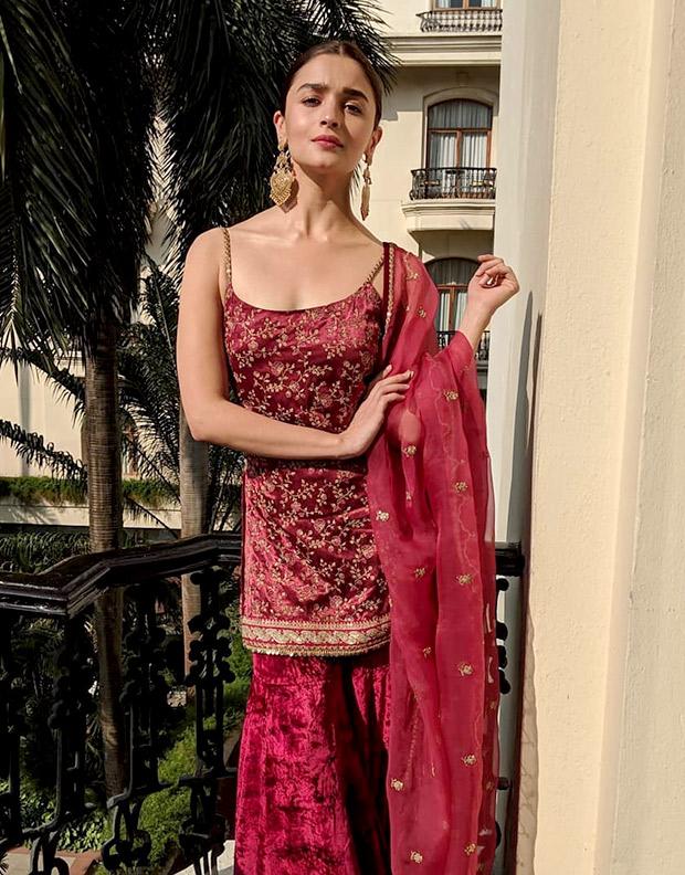 Alia Bhatt in Sabyasachi for the Kolkata Film Festival (5)