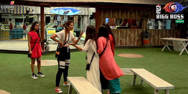 Bigg Boss 12 Somi threatens to BREAK Jasleen's face, says she has no existence without Anup Jalota in the house