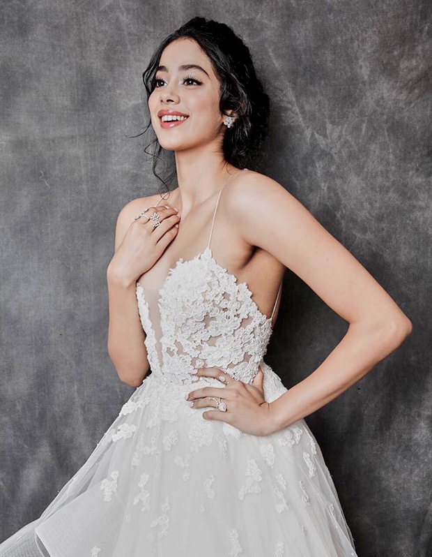Janhvi Kapoor in Reem Acra for Lux Gold Rose Awards 2018 (1)