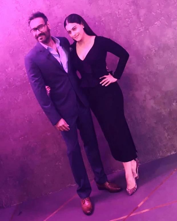 Kajol Devgan in Gauri & Nainika for KWK 6 (2)