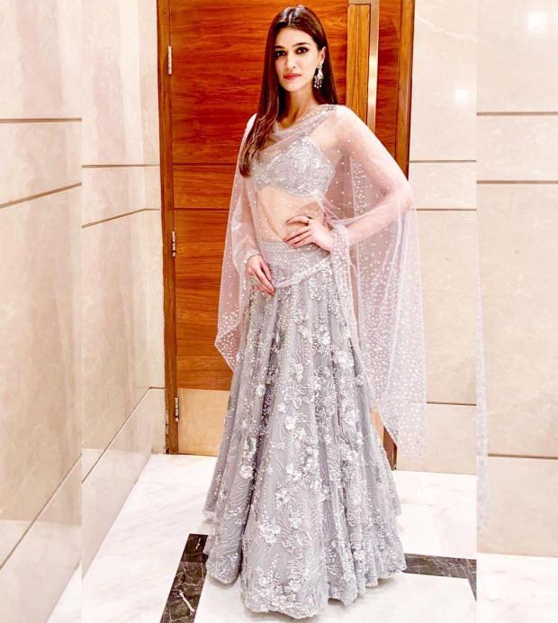 Kriti Sanon in Zara Umrigar for her best friend's wedding in Delhi (2)