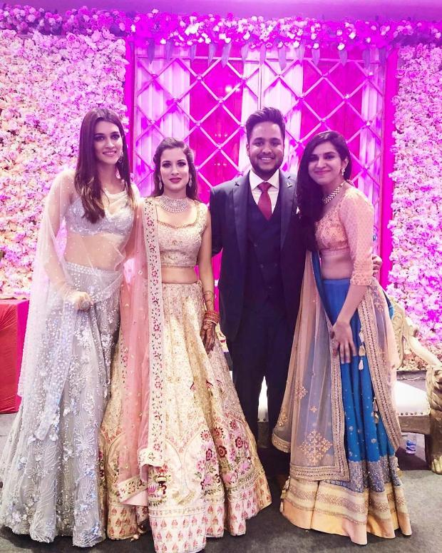 Kriti Sanon in Zara Umrigar for her best friend's wedding in Delhi (4)