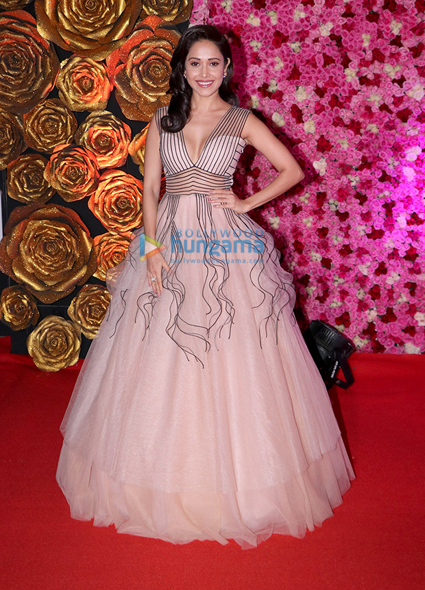 Nushrat Bharucha in Dolly J Studio for Lux Gold Rose Awards 2018 (5)