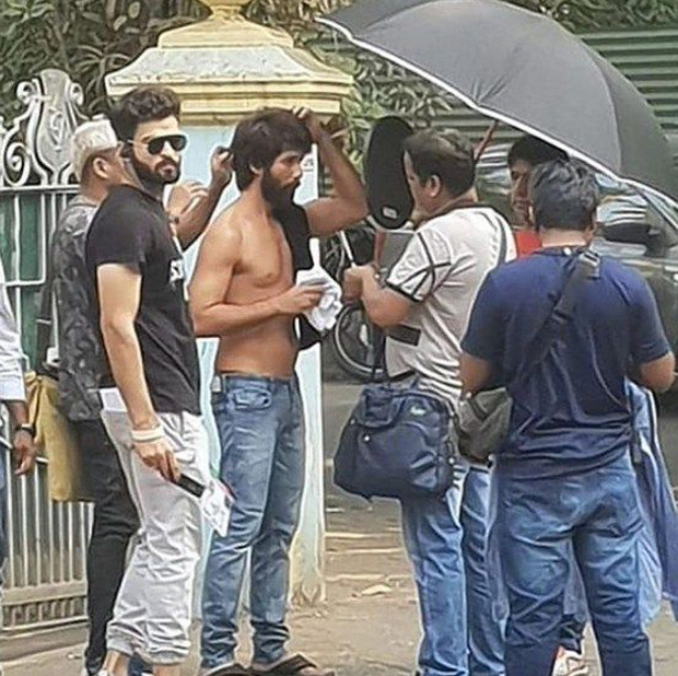 SPOTTED: Shirtless Shahid Kapoor as KABIR SINGH will bowl you over