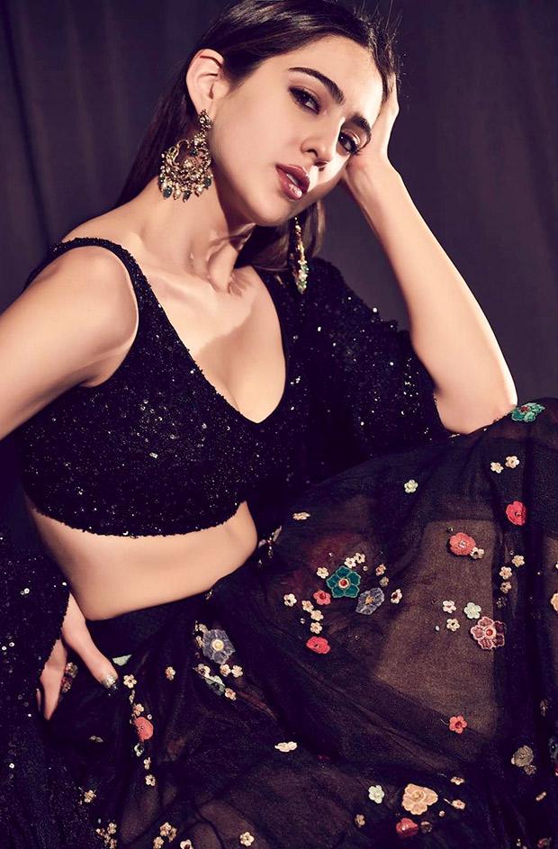 Sara Ali Khan in Sabyasachi promoting Kedarnath on Indian Idol 10 (4)