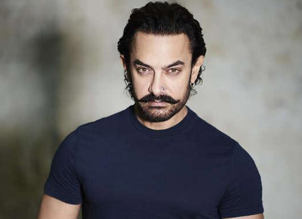 Aamir Khan pulls a huge crowd at a Chinese university forcing them to cancel promotions!