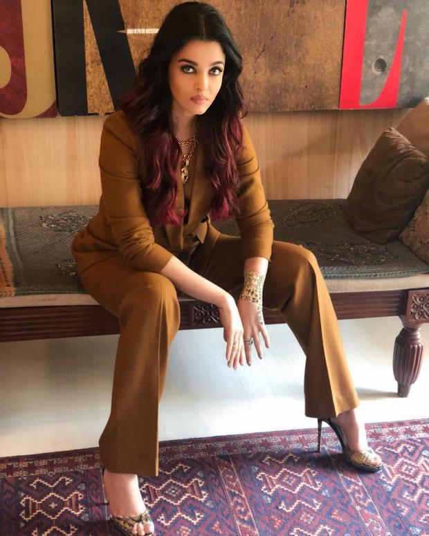 Aishwarya Rai Bachchan in Massimo Dutti suit for an interview (2)