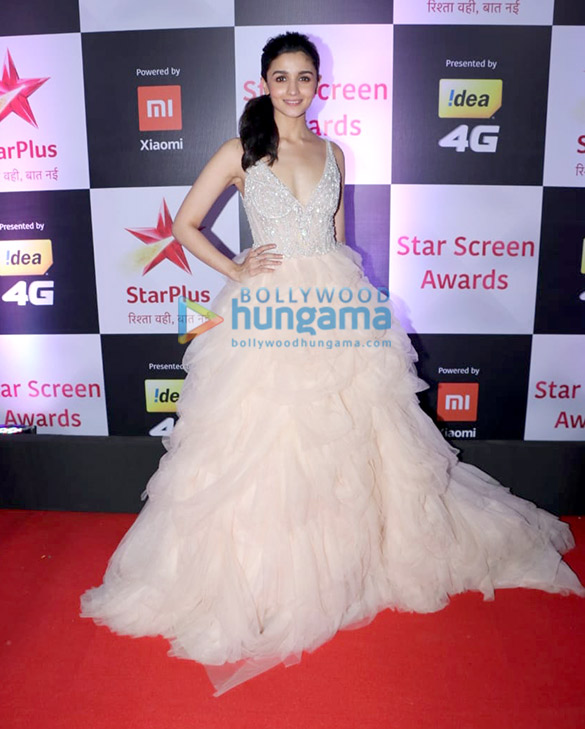 Alia Bhatt in Winnie Couture for Star Screen Awards 2018 (6)