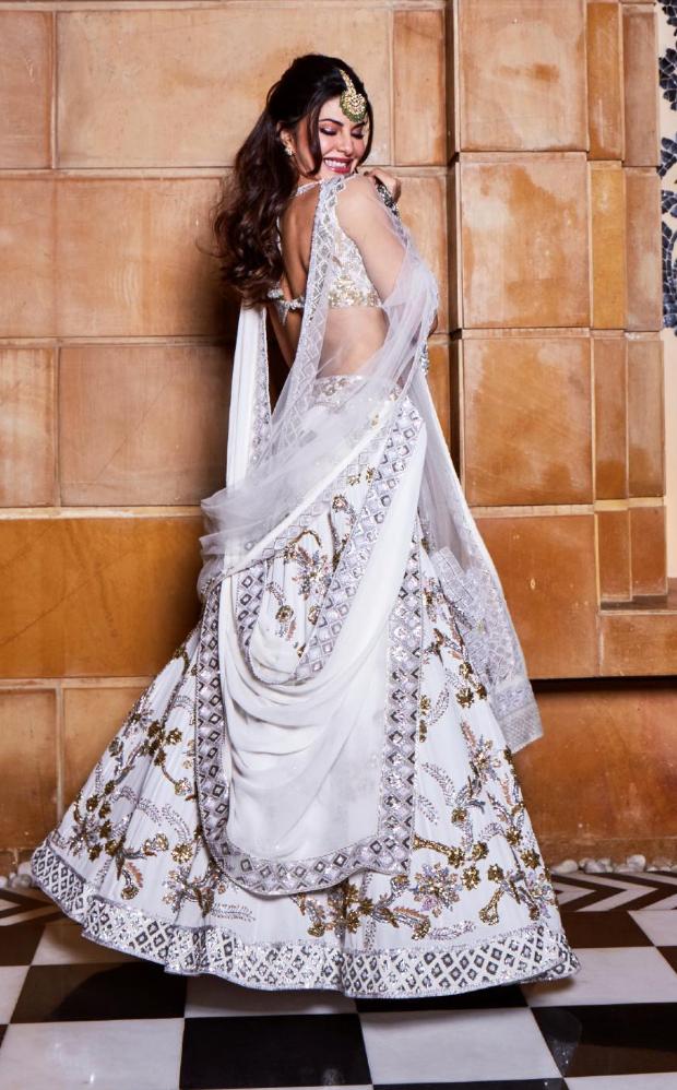 Jacqueline Fernandez in Manish Malhotra Couture for Isha Ambani sangeet (4)