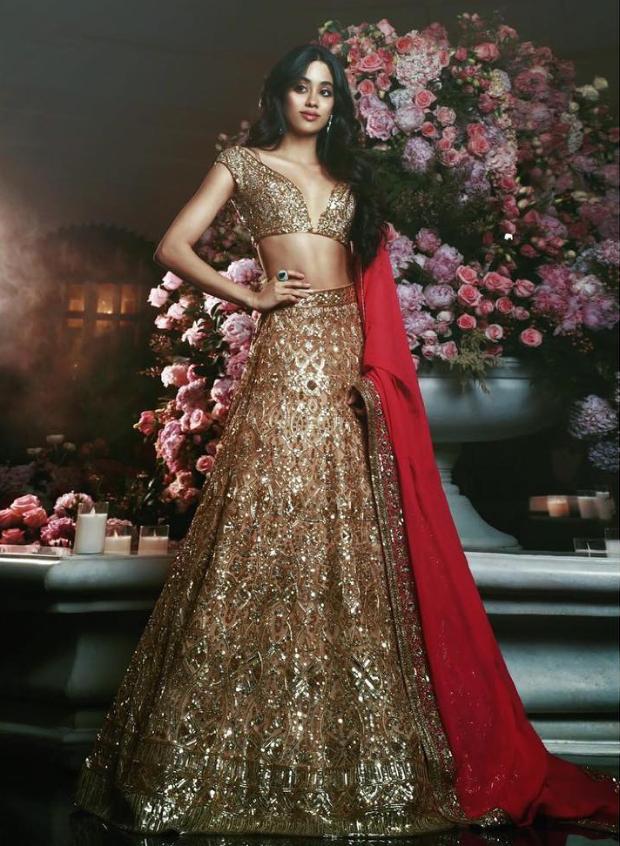 Janhvi Kapoor in Manish Malhotra Couture for Isha Ambani sangeet (2)